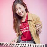กิพจัง ครูสอนเปียโนสาว